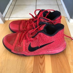 Kyrie 3's Shoes
